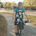 Cómo se debe transportar a nuestros pequeños en bicicleta